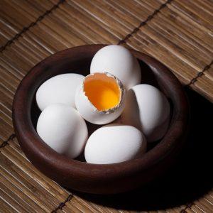 maseczki do włosów z jajkiem