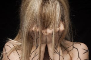 Korzystne działanie ekstraktu TLC z ajuga reptans w terapiach skóry