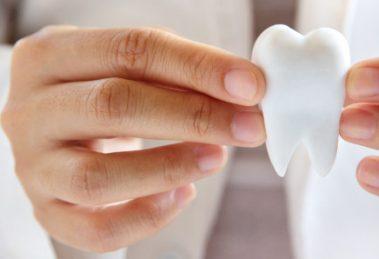 Jak przygotować się do wszczepienia implantów?