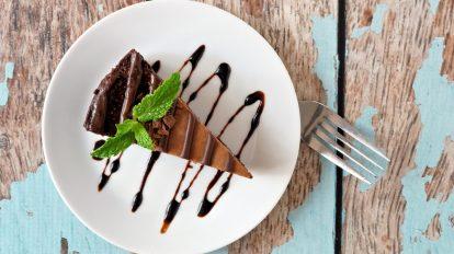 Ciasto czekoladowe. Jak sprawić, by był to zdrowszy deser?