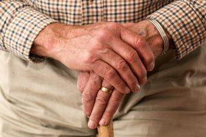 Pampersy dla dorosłych – kiedy je stosować i jakie wybrać