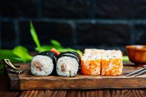 Sushi – pełnowartościowy lunch do biura i home office w Krakowie
