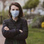 Jak bezpiecznie mogę wykonać test na koronawirusa?