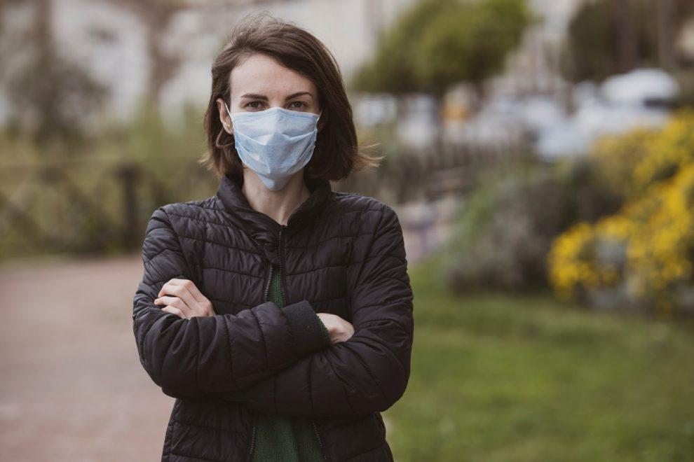 Jak bezpiecznie mogę wykonać test na koronawirusa